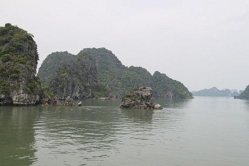cruising-halong-bay-style-4-min