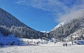 budget-family-ski-holiday-bansko-bulgaria-1