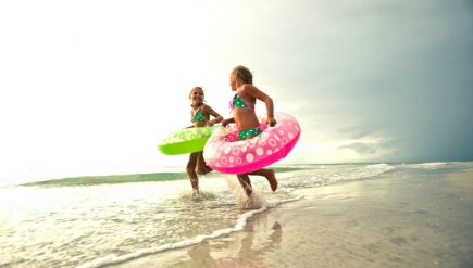 how-to-guarantee-that-stress-free-summer-vacation-with-the-kids